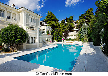 Picture of a luxury villa with swimming pool