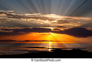 The colorful sunset scenery at the Great Salt Lake in Utah